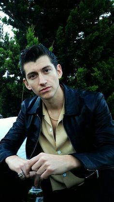 alex turner is such a heartthrob