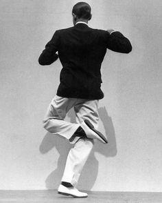 JoeInCT • Fred Astaire, Photo by Martin Munkacsi, 1936