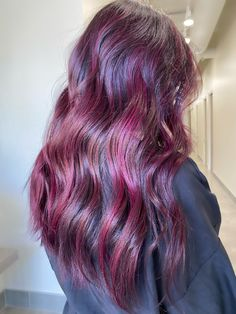 Monochrome Interior, Loft Style, Hairdresser, Hair Inspiration, Hairstyle, Long Hair Styles, Beauty, Hair Job, Hair Style