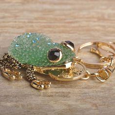 Kawaii Green Blue Lucky Toad Keychains Women Present Chinese Wealth Frog Key Chian Moon Chaveiro Keyring Llavero Free Shipping