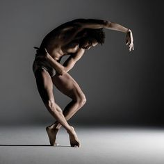 """""""Alonzo King's work is invariably a visual and aural splendor, and his dancers are finely chiseled and implausibly long-limbed."""" Thrilled to be in such wonderful company in this year's Fall Arts Guide by KQED Arts! Join us for LINES Ballet's Fall Home Season Nov 2-6 at Yerba Buena Center for the Arts. Ticket link in bio. #fallhomeseason Photo by RJ Muna"""