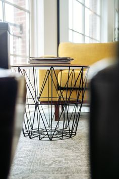 A luxurious round wrought iron coffee table with a round tabletop reflects the simplicity of the design. This decorative coffee table add style to small spaces in any home or office. Decoration Design, Deco Design, Decor Interior Design, Design Shop, Design Living Room, Living Room Decor, Bedroom Decor, Bedroom Ceiling, Bedroom Furniture