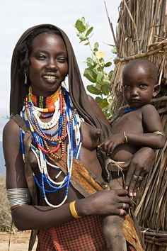 Africa | Erbore woman with child. Southern Ethiopia | © Johan Gerrits
