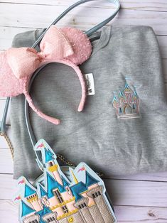 Excited to share this item from my shop: Sleepy beauty Castle Embroidered Sweatshirt/Disney World/Disneyland/Disney Cruise/Embroidery Cute Disney Outfits, Disney World Outfits, Disney Themed Outfits, Disneyland Outfits, Disney Clothes, Soft Grunge, Grunge Style, Disney Cruise, Disney Trips