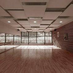 Home Dance Studio, Dance Studio Design, Ballet Studio, Interior Design Studio, Ballet Room, Studio Studio, Tanzstudio Design, House Design, Dance Rooms