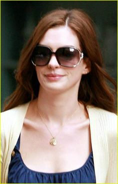 Anne Hathaway is Waiting to War