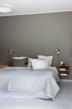 Lunt på soverommet - Lilly is Love Taupe Bedroom, Bedroom Inspo, Bedroom Colors, Home Bedroom, Bedroom Wall, Master Bedroom, Bedroom Decor, Paint Colors For Living Room, House And Home Magazine