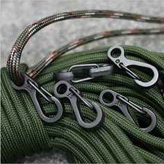 SZHOWORLD® 10PCS/LOT Mini SF Spring Backpack Clasps Climbing Carabiners EDC Keychain Camping Bottle Hooks Paracord Tactical Survival Gear (Gun Grey) SZHOWORLD http://www.amazon.com/dp/B017VINV04/ref=cm_sw_r_pi_dp_RbNbxb07815T2