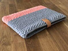 Crocheted laptop bag – The Best Ideas Knitting Websites, Beginner Knitting Projects, Knitting Blogs, Arm Knitting, Crochet Projects, Big Knit Blanket, Backpack For Teens, Crochet Decoration, String Bag