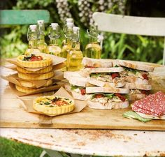 Garden party buffet presentation 37 ideas for 2019 Picnic Time, Summer Picnic, Party Summer, Summer Food, Garden Bridal Showers, Wedding Showers, Party Buffet, Snacks Für Party, Adulting