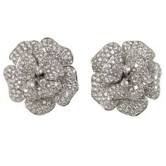 18 k Gorgeous Diamond Floral Earrings