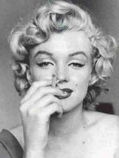 Marilyn Monroe Smoking Weed | Smoking had nothing to do with reality...it had to do with how