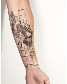 My arm #lion #liontattoo #graphical #graphicaltattoo #geometric #geometrictattoo #illustration #tattoo #tattoos #mowgli #mowgliartist #monochrome