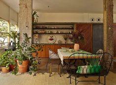 Madeira e concreto juntos na decoração