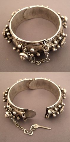Mauritania | Old silver Berber bracelet.  Similar pieces are also found in southern Morocco | 350€