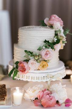 Photography: Trent Bailey Studio - www.trentbailey.com   Read More on SMP: http://www.stylemepretty.com/2016/03/31/elegant-manhattan-wedding-3/
