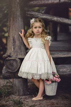 That Darling Dress by Irina Chernousova Cute Flowergirl Dresses for Bridesmaids at Your WeddingBeautiful dresses for girls year: the best ideas images for young princessesImage may contain: 1 person Little Girl Outfits, Little Girl Fashion, Little Girl Dresses, Kids Outfits, Girls Dresses, Flower Girl Dresses, Flower Girl Tutu, Lace Flower Girls, Toddler Dress
