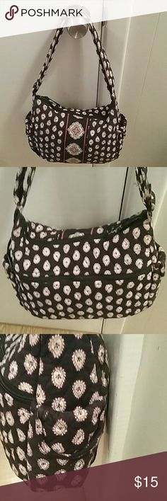 Vera Brady purse balck white and red This is a shoulder bag with adjustable strap to make it longer EUC it is black white and red paisley two pocket on the side and zipper on the back and pouches on the inside Bags Shoulder Bags