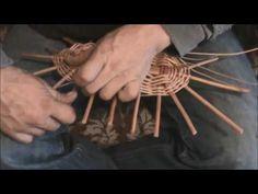 KOŠÍKÁŘSKÁ ŠKOLA KOŠÍKÁŘE KRÁLE - pletení  oválného (nákupního) koše - YouTube