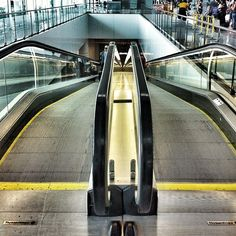 Aeropuerto #barcellona #barca #street - @ilarysgrill- #webstagram