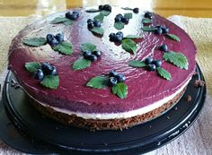 Blueberry-whitechocolate cake