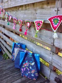 Enjoy my enjoyz: gehaakte slinger en tassen voor de juffies