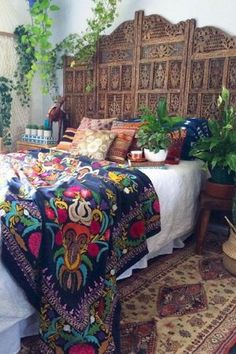65 Incredible DIY Boho Chic Bedroom Decor Ideas - Bohemian Home İdeas Bohemian Bedroom Diy, Bohemian Interior, Moroccan Bedroom Decor, Mexican Bedroom Decor, Moroccan Interiors, Home Design, Interior Design, Design Ideas, Modern Design