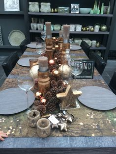 PTMD kersttafel bij Coppelmams Cosy Christmas, Xmas, Diner Table, Christmas Decorations, Table Decorations, Deco Table, Christmas Inspiration, Winter Holidays, Natural