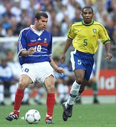 Zinedine Zidane Real Madrid, European Soccer, Fc Chelsea, Steven Gerrard, Ac Milan, Tottenham Hotspur, Liverpool Fc, College Football, Iker Casillas