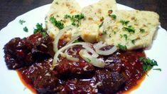 Cikánský guláš | Vaření s Tomem Slovak Recipes, Modern Food, New Menu, Food 52, Stew, Grilling, Food And Drink, Vegetarian, Yummy Food