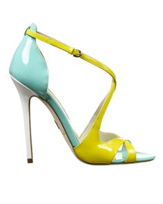 Brian Atwood Celebs Accesorio Must Zapatos Pretty Shoes, Beautiful Shoes, Shoe Boots, Shoes Heels, Pumps, Louboutin Shoes, Crazy Shoes, Me Too Shoes, Stiletto Heels
