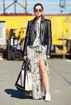 41 Trending Black Leather Women Jacket Outfits Ideas Suitable For Fall - Curvas mi estilo de ropa - Deporte Street Style Vintage, Autumn Street Style, Hipster Grunge, Grunge Goth, Classy Outfits, Fall Outfits, Fashion Outfits, White Maxi Dresses, Nice Dresses