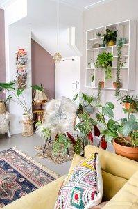 Kerstboom eruit….en dan? 5 tips om de leegte op te vullen Nature Iphone Wallpaper, Color Patterns, Bookcase, Living Room, Home Decor, Style, Apocalypse, Beach House, Colors