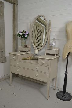 This stunning Victorian Dressing Table has been lovingly painted in Annabell Duke Wild Heather with Old White detailing. Inside the drawers we've used Valspar Milky Way, lightly distressed and aged with dark wax. https://www.thetreasuretrove.co.uk/bedroom-storage/antique-victorian-shabby-chic-dressing-table #shabbychic #antiquefurniture #victorianbedroom