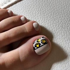 Hot Animal Print On Your Toe Nails ❤ 40+ Incredible Toe Nail Designs for Your Perfect Feet ❤ See more ideas on our blog!! #naildesignsjournal #nails #nailart #toes #toenaildesigns #toenails Toe Nail Color, Toe Nail Art, Toe Nails, Pretty Nail Designs, Toe Nail Designs, Bling Nails, Bling Bling, Nail Inspo, Summer Nails