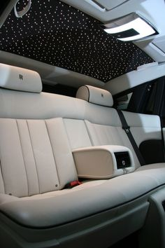 London Chauffeur Hire Company Becomes the First in the UK to Offer the Rolls Royce Phantom Series II