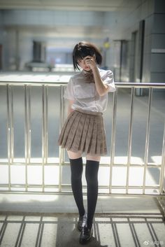 lo-fi beats, hi-fi girls a. Cute Japanese Girl, Cute Korean Girl, Cute Asian Girls, Cute Girls, School Girl Japan, Japan Girl, Female Pose Reference, Girl Outfits, Cute Outfits