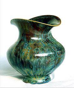 Crystalline art pottery. Sun Chao.