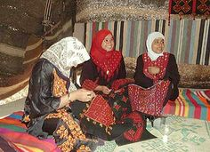 Bedouin embroidery http://www.ynetnews.com/articles/0,7340,L-3437947,00.html