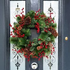 front door christmas wreath - Decorated Christmas Wreaths Pinterest