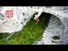 Me encanta este video, el lugar, la gente, la escalada, la musica  ..todo!!! Petzl RocTrip China 2011 [EN] The official movie