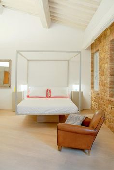 La Bandita Townhouse is a design boutique hotel in Pienza, Val d'Orcia, Tuscany.