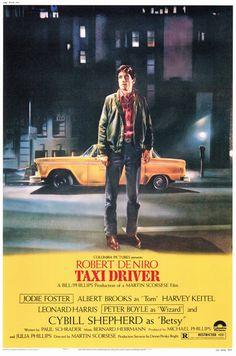 Taxi Driver es una película de culto estadounidense de 1976 dirigida por Martin Scorsese y escrita por Paul Schrader. El filme está ambientado en Nueva York, poco después de que terminara la guerra de Vietnam, y está protagonizado por Robert De Niro, quien interpreta a Travis Bickle, un excombatiente solitario y mentalmente inestable que comienza a trabajar como taxista, incorporándose a la turbia vida nocturna de la ciudad. La película obtuvo varios premios, entre ellos la Palma de Oro…