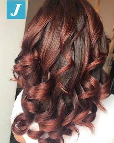 Hair Color Shades, Hair Color And Cut, Haircut And Color, Hair Colour, Layered Curly Hair, Wavy Hair, Hair Color Balayage, Hair Highlights, Curled Hairstyles