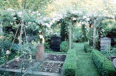 Barnsdale Gardens | GardenVisit.com, the garden landscape guide