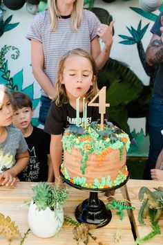 Modern dinosaur boy's birthday Layer Cakelet) Dinosaur Cakes For Boys, Dinosaur Birthday Cakes, Dinosaur Party, 4th Birthday Parties, Boy Birthday, Bolo Dino, Birthday Party Invitations, Party Ideas, Birthdays