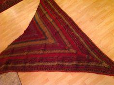 Bohemian Rug, Rugs, Home Decor, Wool, Random Stuff, Metal, Farmhouse Rugs, Decoration Home, Room Decor