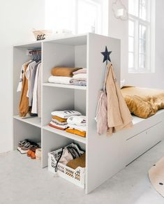 but first some storage. Now make yourself easy to vtwonen cot in closet. Designed by vtwonen klusduo! Home Bedroom, Girls Bedroom, Boy Room, Kids Room, Color Style, Diy Crib, Shop Interiors, Baby Room Decor, Room Inspiration