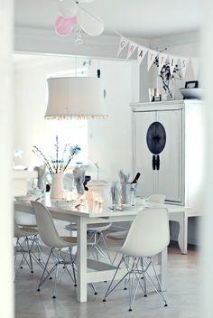 < 3 white + stunning white wall unit.