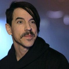 Anthony Kiedis (Red hot Chili Peppers) is 54 today Anthony Kiedis, Happy Birthday Anthony, John Frusciante, Hottest Chili Pepper, Music Pics, Foo Fighters, Music Artists, Persona, Training